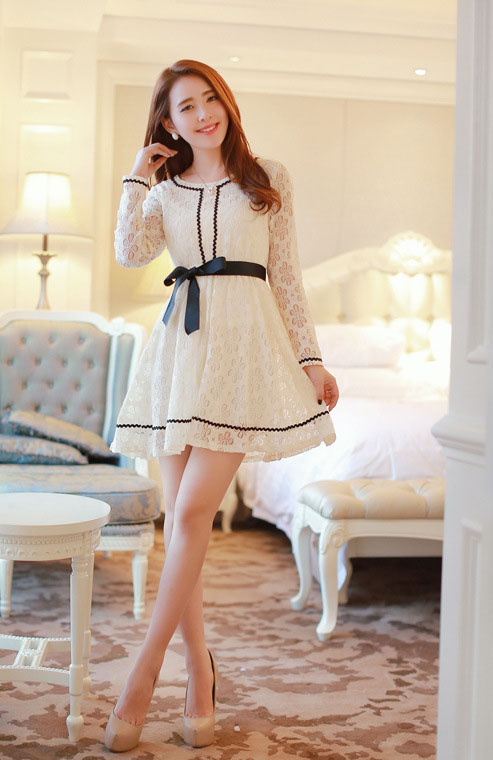 DRESS CANTIK BROKAT KOMBINASI PITA LUCU