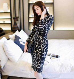 dress-hitam-bermotif-elegant-terbaru
